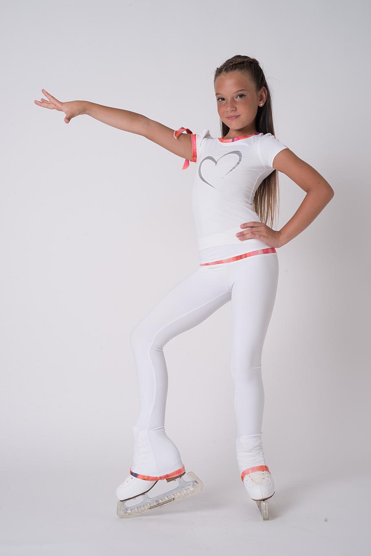 fac617820af0 K-Skate / Sportbutiken Linnea - Vita byxor från Thuono med dekor i ...