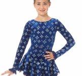 Blå klänning i sammet med glittermönster