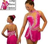 Cerisrosa klänning med kristaller och paljetter