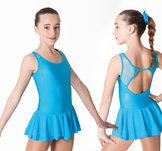 Ärmlös klänning med dubbellager kjol