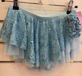 Rynkad kjol i ljusblå spets