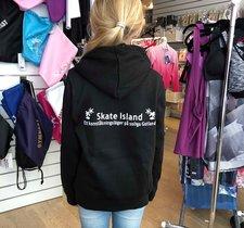Hoodtröja med Skate Island tryck i glittrigt vitt  - enbart för deltagare på vårt läger