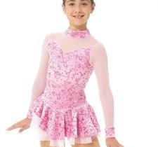 Klänning i rosa glittersammetgilttermönstrad sammet