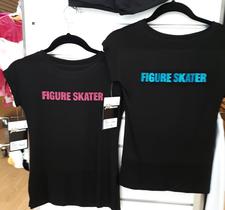 T-shirt i svart eller vitt med glittertryck i 3 olika färger