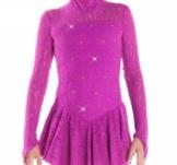 Långärmad spetsklänning med swarovskikristaller i lila
